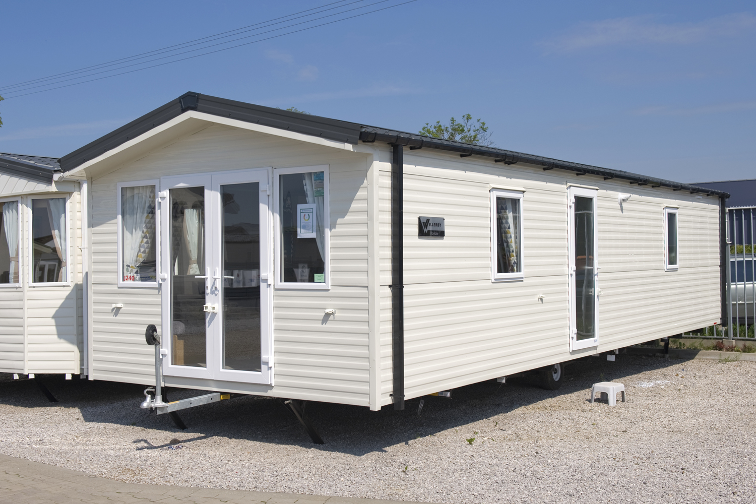 WILLERBY HOYLAKE J240